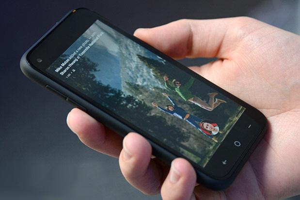 Facebook telefonu HTC First'in satışları kötü