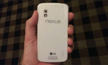 Beyaz Nexus 4 satışta