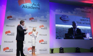 Microsoft Açık Akademi ile 5 yılda 1 milyon genç uygulama yazacak