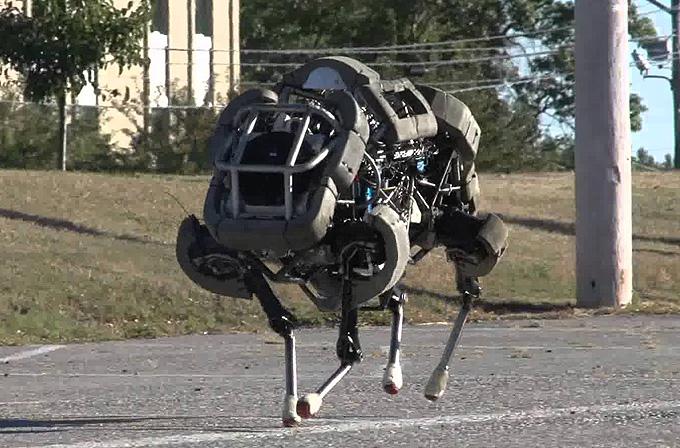 Boston Dynamics robot işini abarttı