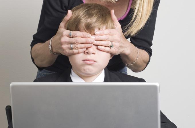 Çocuğunuzu İnternet tehditlerinden nasıl korursunuz?