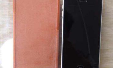 Fotoğrafta gördüğünüz HTC One 2 maketi