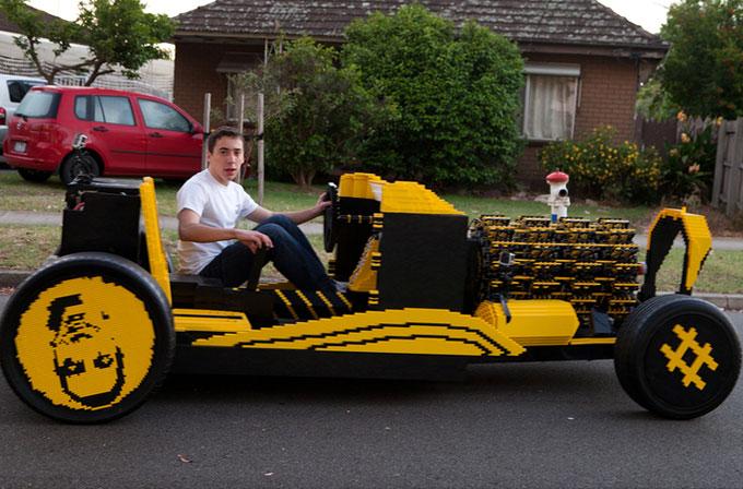LEGO'dan gerçek araba boyutunda, çalışır durumda otomobil yaptı!