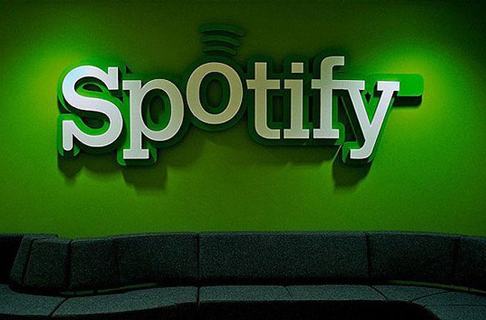 Spotify'da artık ücretsiz kullanıcılara müzik dinlemek sınırsız