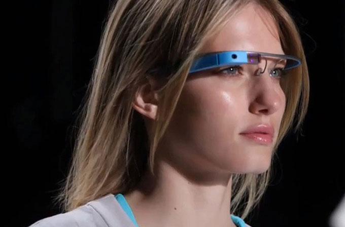 Google Glass ile sinemaya giden adamı FBI gözaltına aldı