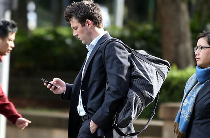 Akıllı telefonlarla yaptığımız en tehlikeli 10 yanlış!