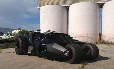 Trafiğe çıkabileceğiniz Batmobile satışta!