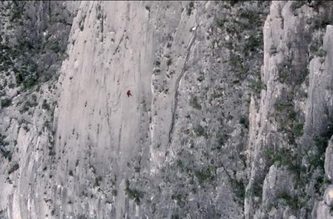 Yükseklik korkunuz varsa bu videoyu izlemeyin