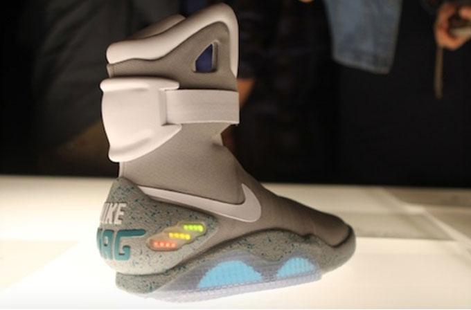 Otomatik bağcıklı ayakkabılar gerçek oluyor!