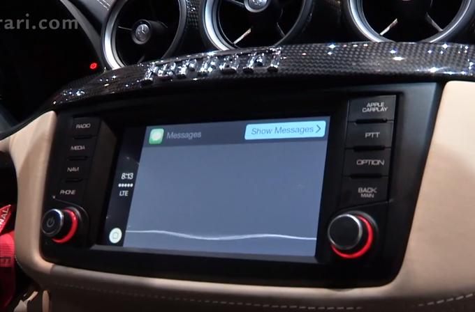 Ferrari ve Mercedes de CarPlay videosu yayınlandı