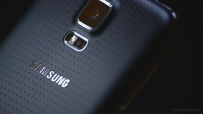 Galaxy S5 ve Galaxy Gear 2 reklamları yayınlandı