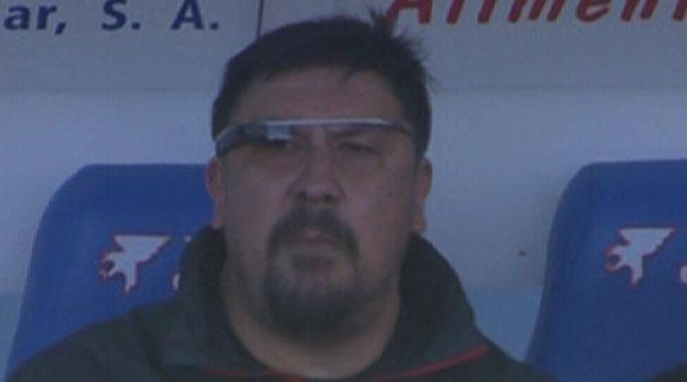 Atletico Madrid yardımcı antrenörü maça Google Glass ile çıktı