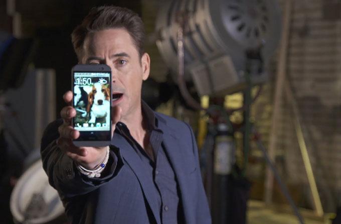 Iron Man'in yıldızı HTC One M8 reklamında