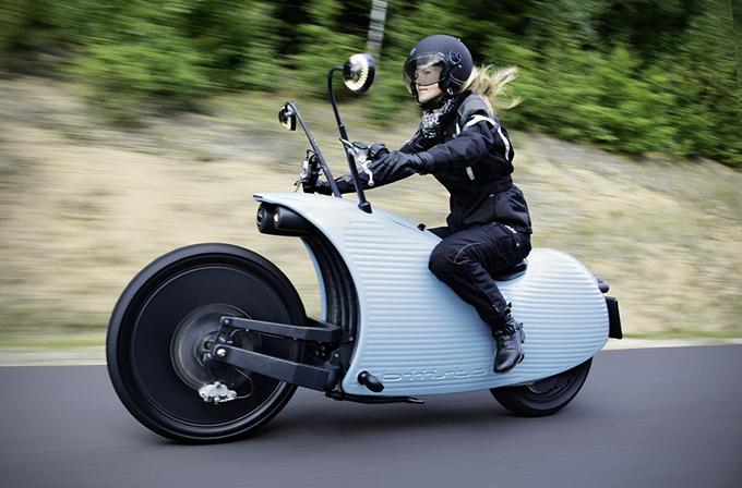 Mürekkep balığından esinlenilen, özel tasarım motosiklet