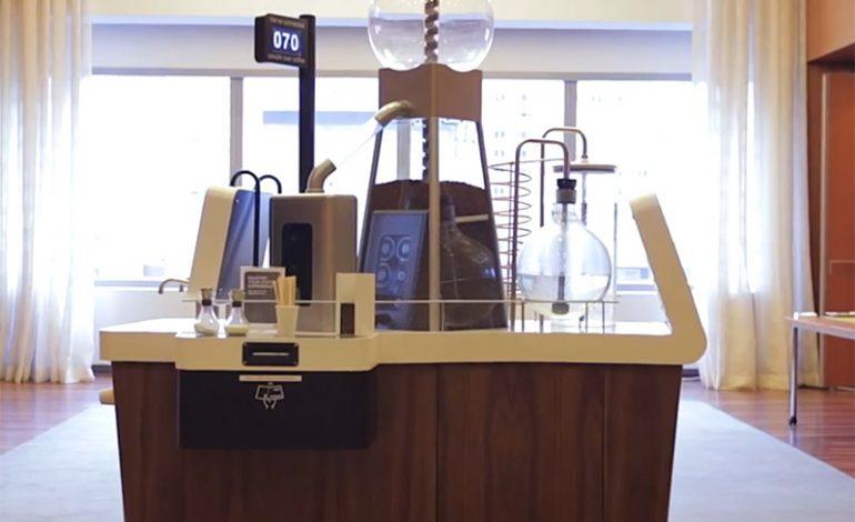 Video: Bu kahve makinesi insanlara arkadaşlık kurduruyor