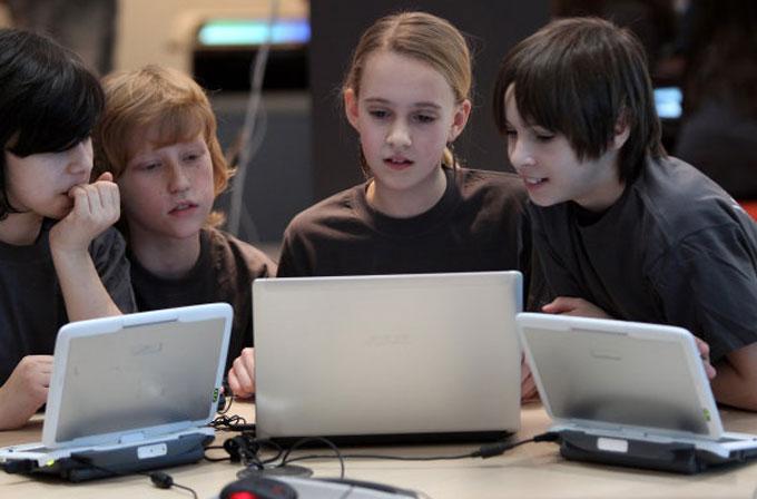 Microsoft'tan okullara 1 milyar dolarlık bağış