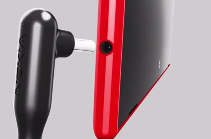 """Nokia: """"Lumia 2520'nin şarj aletini hemen kullanmayı bırakın!"""""""
