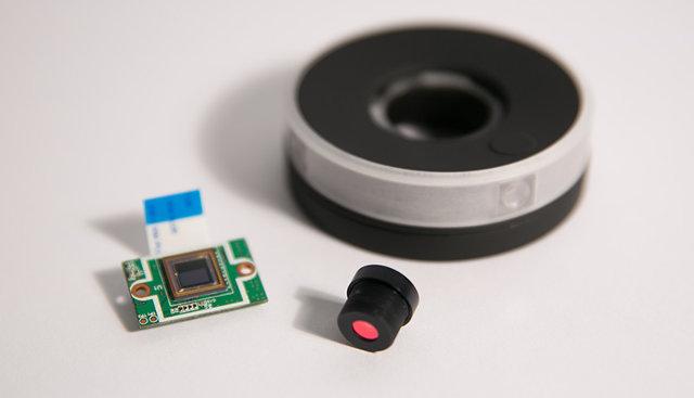 3029973-inline-i-centrcamera-lense-and-chip