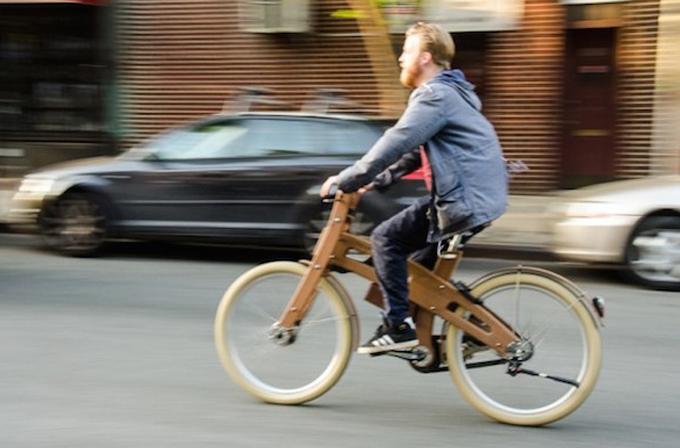 Galeri: Dünyanın ilk elektrikli bisikleti New York'ta ortaya çıktı