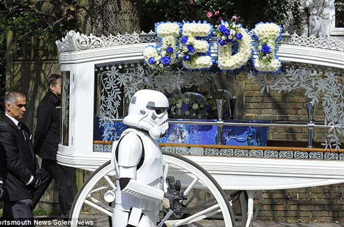 Son isteği Star Wars temalı cenaze töreniydi