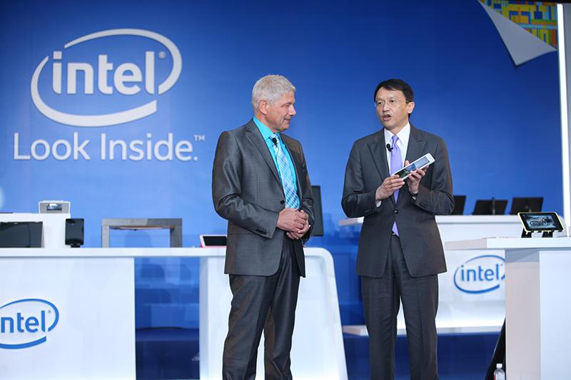 Dört çekirdeği de aynı anda 4 GHz frekansa ulaşabilen dördüncü nesil Intel Core i7 ve i5 işlemcileri duyuruldu.