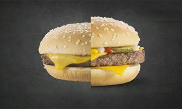Video: Reklamlardaki gibi bir burger için yapmanız gereken şey işte bu!
