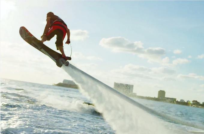 Video: Marty McFly! Senin hoverboard gerçek oldu!