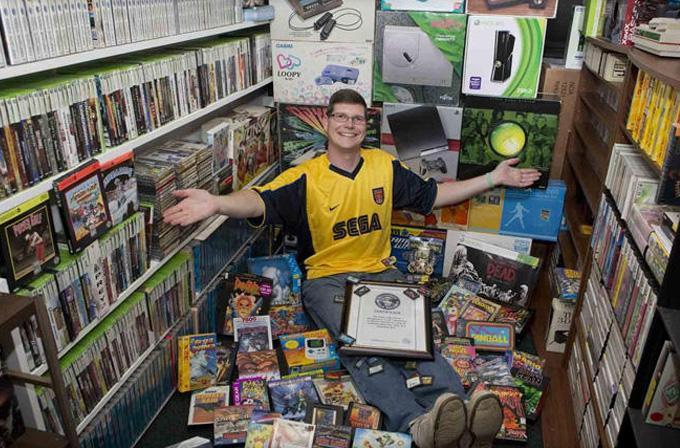 Video: Dünyanın en büyük oyun kolleksiyonu 750,000$'a satıldı
