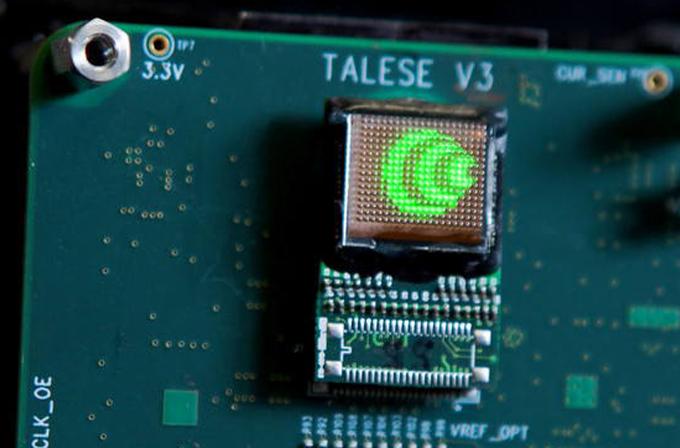 2015'te akıllı telefonlara hologram teknolojisi geliyor