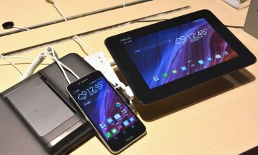 ASUS yine bir hibrit telefon tanıttı; ASUS PadFone S