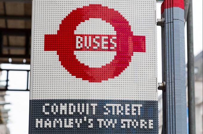 Galeri: 100,000 parça LEGO'dan otobüs durağı!