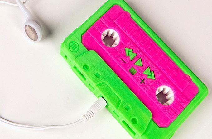 Kaset görünümlü MP3 player MakerBot Mixtape yenilendi