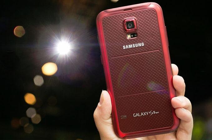 Samsung Galaxy S5 Sport modelini duyurdu