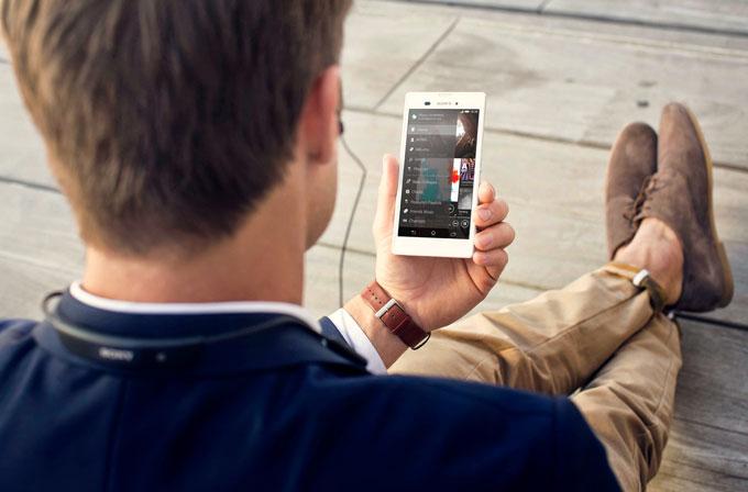 Sony'den orta segmente ince ve şık telefon: Xperia T3
