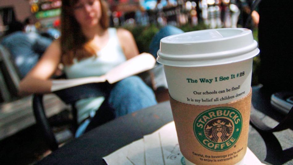 Starbucks çalışanlarını üniversiteye gönderiyor