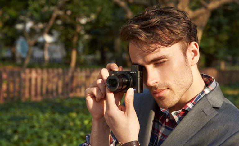 Daha geniş, parlak lens ve dahili vizörle daha fazla çekim gücü:  Sony Cyber-shot RX100 III