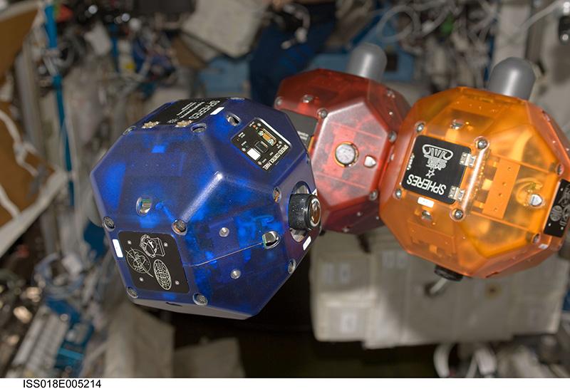 SPHERE uyduları Astronotların en büyük yardımcısı olacak