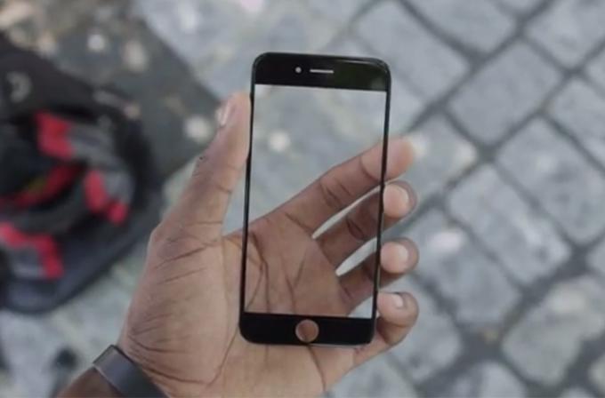 Video: iPhone 6'nın Sapphire ekranı neredeyse kurşun geçirmez!