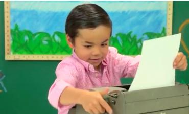 Çocukların daktiloya verdiği tepkiler görülmeye değer (VİDEO)