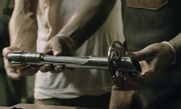Video: Bir ışın kılıcı-katana yapımı