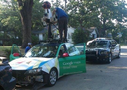 Google Car da kaza yapar