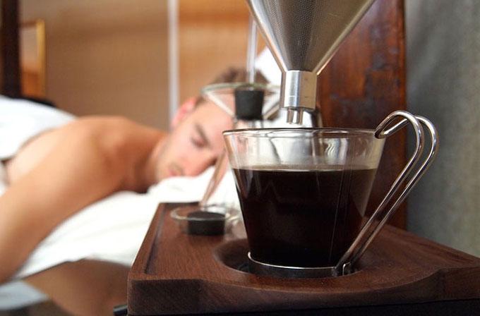 Sizi mis gibi kahveyle uyandıran çalar saat konsepti