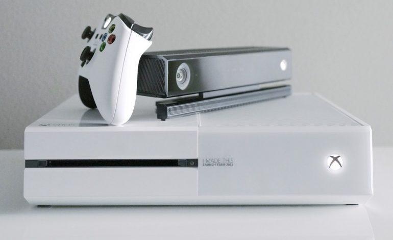 Beyaz Xbox One yanında oyunla gelecek