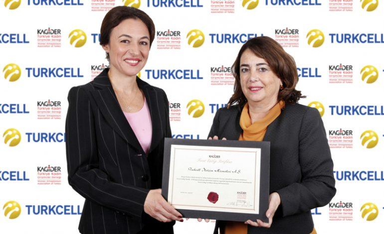 """KAGİDER'den Turkcell'e kadın odağı ile """"Fırsat Eşitliği Sertifikası"""""""