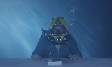 Video: Z3'ün unboxing'i için en uygun yer su altıdır!