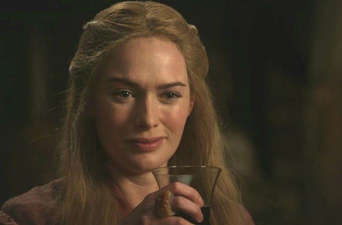 Cersei'nin Game of Thrones'daki çıplak yürüme sahnesi dizide yer alacak!
