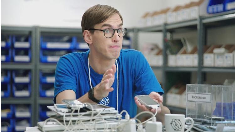 Samsung'tan Apple ile dalga geçen 6 yeni reklam