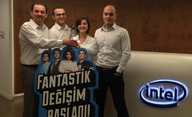 """Intel'in """"Fantastik Değişim""""ine 7 Kristal Elma Ödülü"""