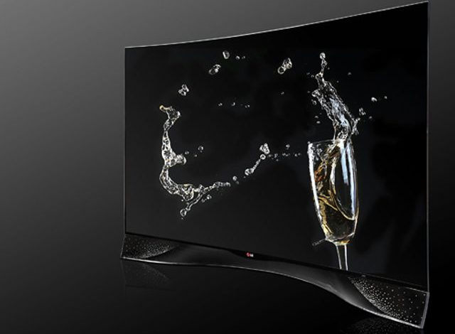 LG'den parasının miktarını bilmyenlere Swarovski taşlı OLED TV