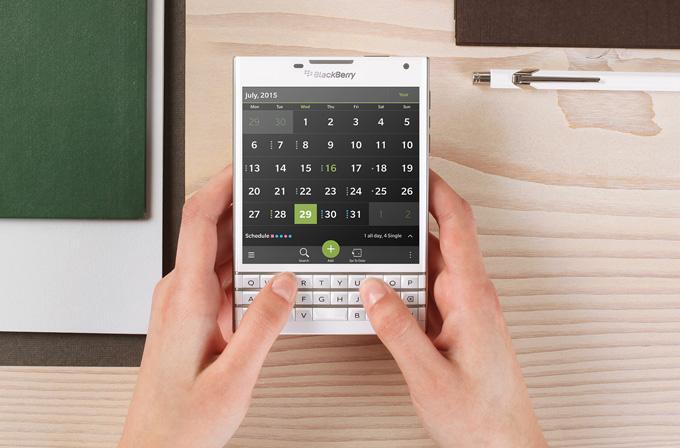 Blackberry Passport şimdiden tükendi